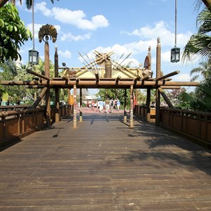 3 of 7: Adventureland - View of the perfectly flat bridge from Adventureland towards the hub