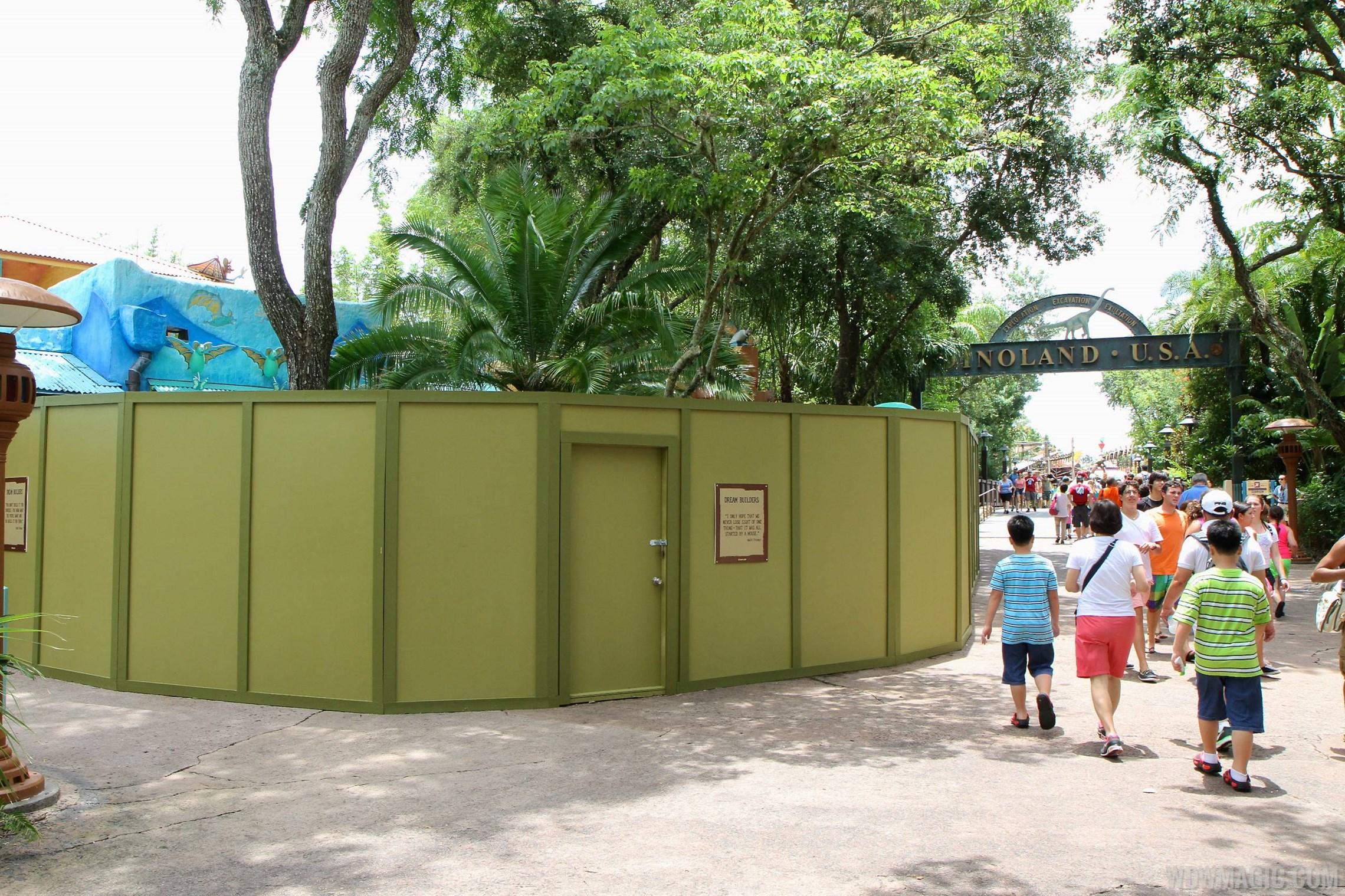 Discovery Island Coffee kiosk construction