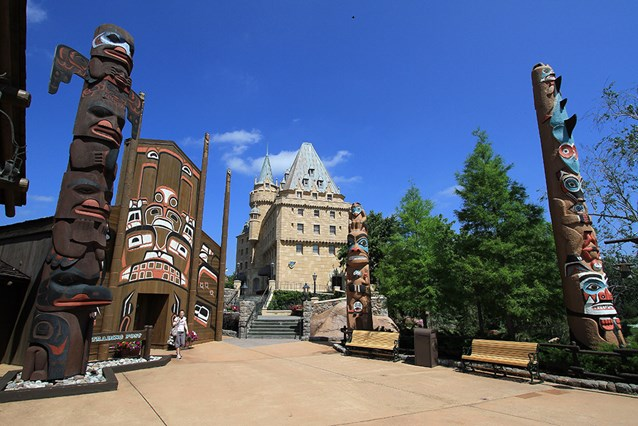 Canada (Pavilion) - The Hotel du Canada  in the distance and the Trading Post
