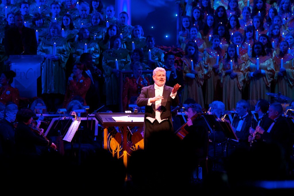 Trace Adkins narrating Candlelight Processional 2011