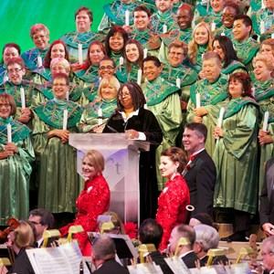 7 of 7: Candlelight Processional - Whoopi Goldberg and Cast Choir at the Candlelight Processional