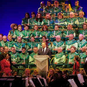 3 of 3: Candlelight Processional - Candlelight Processional - Gary Sinise narrator