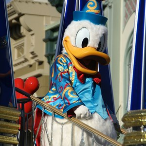 35 of 36: Celebrate A Dream Come True - Celebrate a Dream Come True Parade - Donald Duck