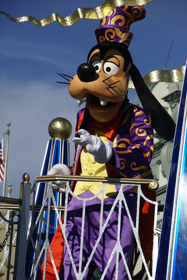 Celebrate A Dream Come True - Celebrate a Dream Come True Parade - Goofy