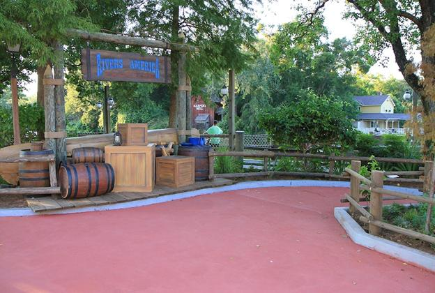 New Donald Duck meet and greet set in Frontierland