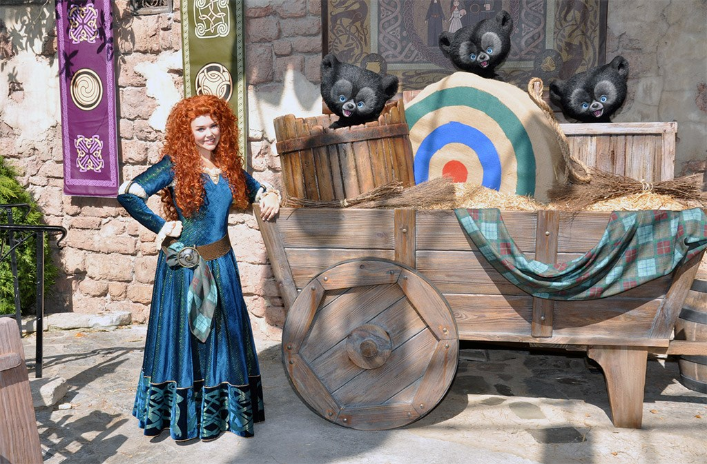 Merida and bear cubs