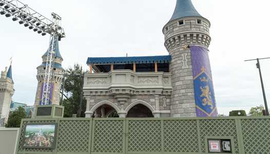 PHOTOS - Updated look at the Cinderella Castle forecourt construction