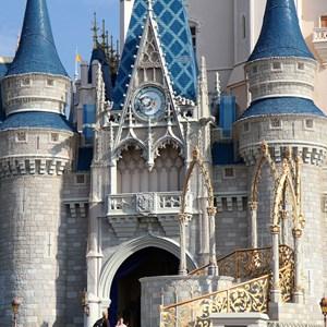 3 of 5: Cinderella's Holiday Wish - Cinderella's Holiday Wish lights installation
