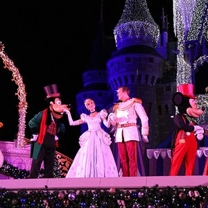 14 of 22: Cinderella's Holiday Wish - Cinderella's Holiday Wish show