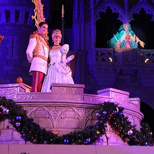 7 of 22: Cinderella's Holiday Wish - Cinderella's Holiday Wish show