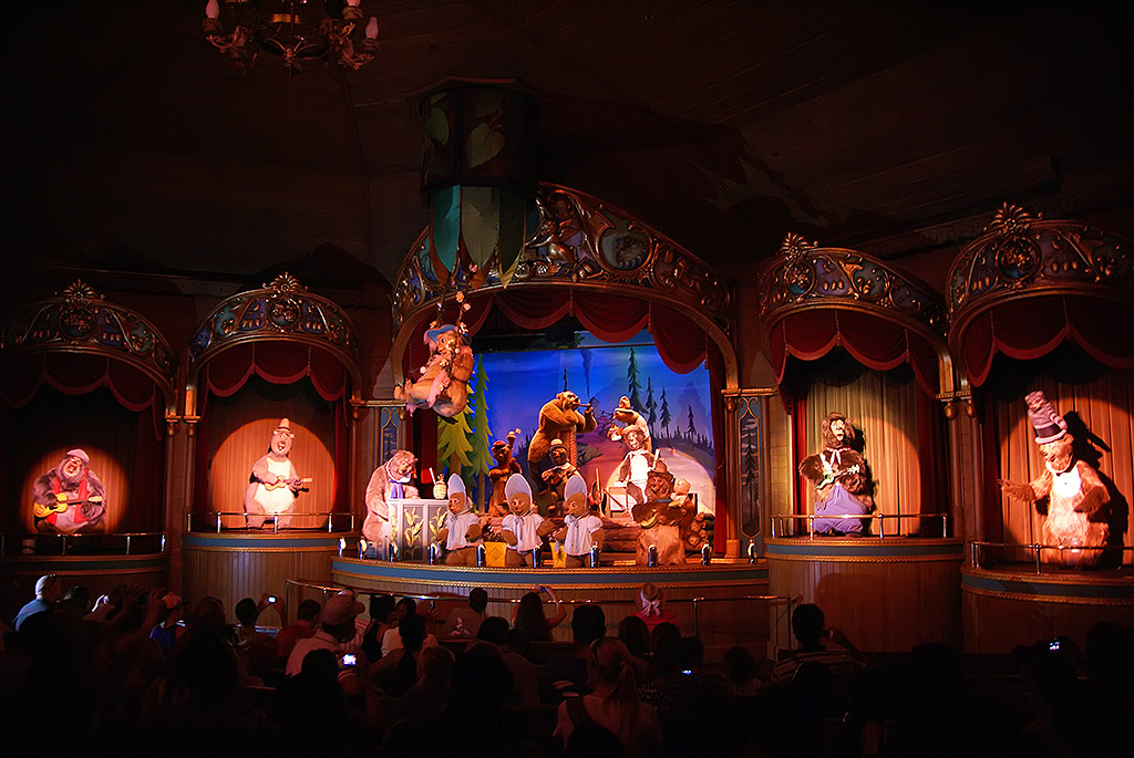 Country Bear Jamboree finale scene - Photo 1 of 1