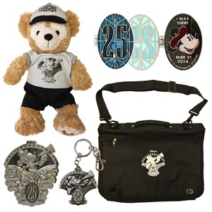 3 of 5: Disney's Hollywood Studios - Disney's Hollywood Studios 25th anniversary merchandise - Duffy, Bags