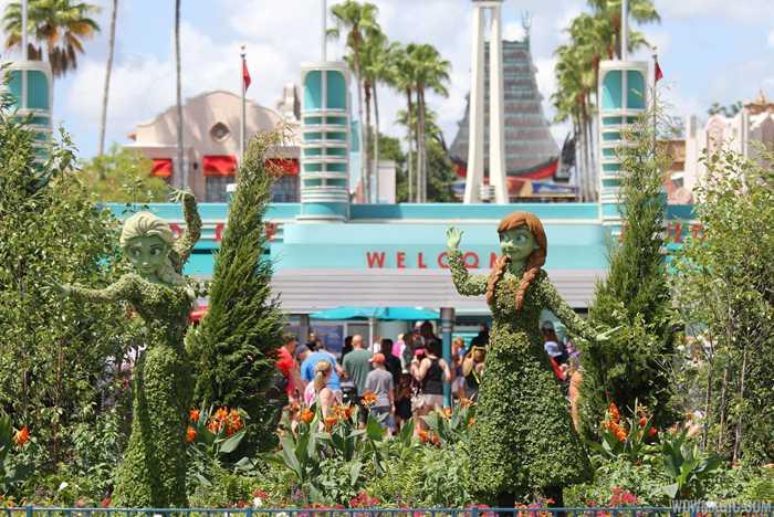 Anna and Elsa Frozen Topiary at Main Entrance