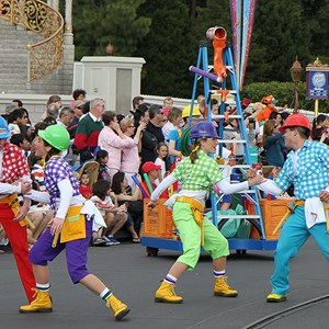 7 of 16: Disney's Honorary Voluntears Cavalcade - Disney's Honorary Voluntears Cavalcade