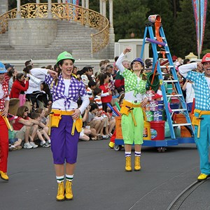 8 of 16: Disney's Honorary Voluntears Cavalcade - Disney's Honorary Voluntears Cavalcade