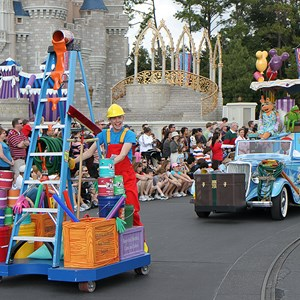 9 of 16: Disney's Honorary Voluntears Cavalcade - Disney's Honorary Voluntears Cavalcade