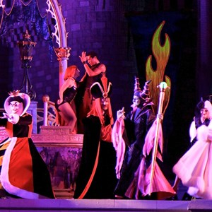 9 of 19: Disney's Villains Mix and Mingle - 2010 show