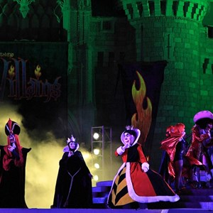 14 of 19: Disney's Villains Mix and Mingle - 2010 show