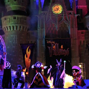 18 of 19: Disney's Villains Mix and Mingle - 2010 show