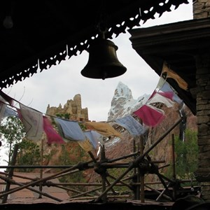 19 of 47: Expedition Everest - Expedition Everest queue area preview