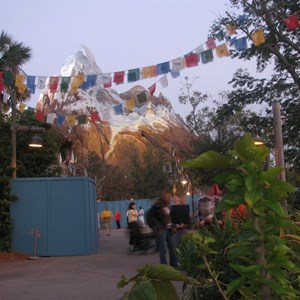 43 of 47: Expedition Everest - Expedition Everest queue area preview