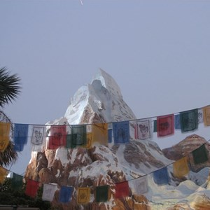 44 of 47: Expedition Everest - Expedition Everest queue area preview