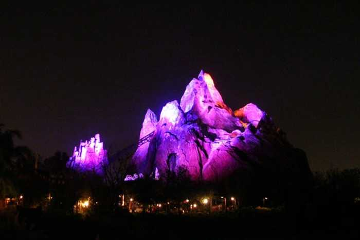 New Expedition Everest lighting