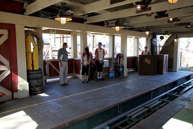 Fantasyland - Barnstormer station