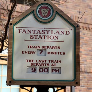 53 of 81: Fantasyland - Fantasyland station departure board