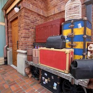 59 of 81: Fantasyland - Fantasyland station details