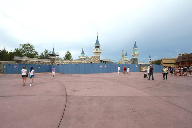 Fantasyland - The castle walls will form the entry into Fantasy Forest