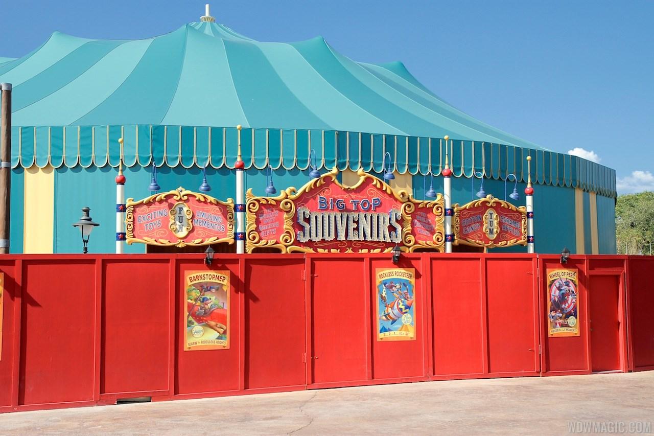 Big Top Souvenirs signage