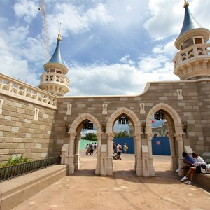4 of 27: Fantasyland - Fantasyland Enchanted Forest castle wall