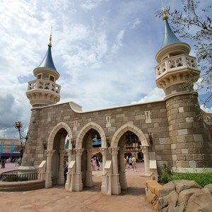 7 of 27: Fantasyland - Fantasyland Enchanted Forest castle wall