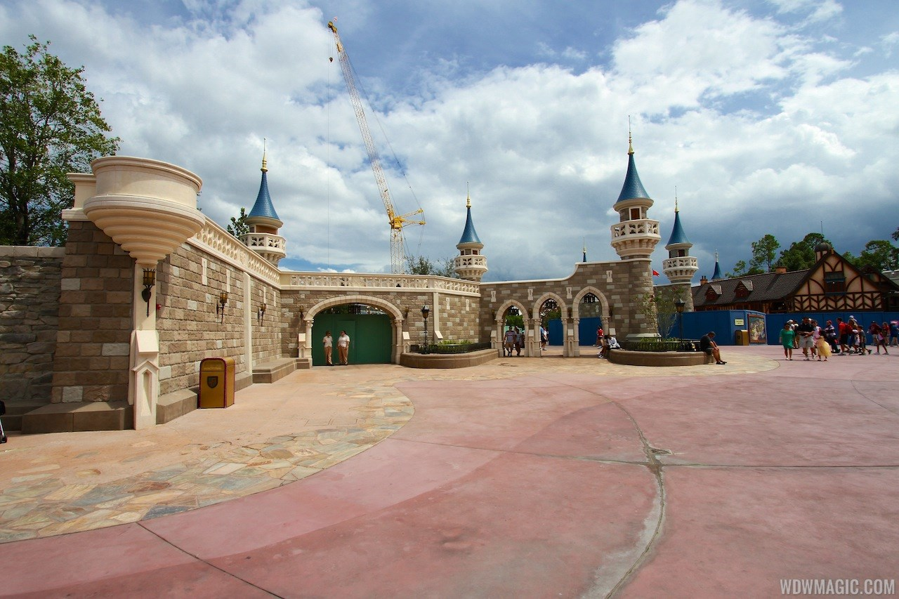 Fantasyland Enchanted Forest castle wall