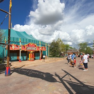2 of 24: Fantasyland - Walls down at Big Top Souvenirs and Pete's Silly Sideshow