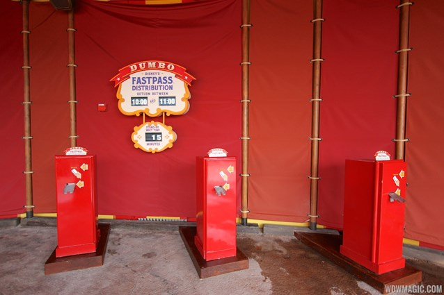 Fantasyland - Dumbo FASTPASS machines