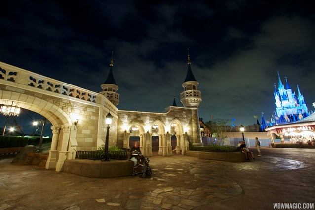 Fantasyland - Fantasyland castle walls nighttime lighting
