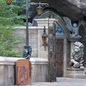 12 of 40: Fantasyland - New Fantasyland Enchanted Forest - details around the entrance to Be Our Guest Restaurant