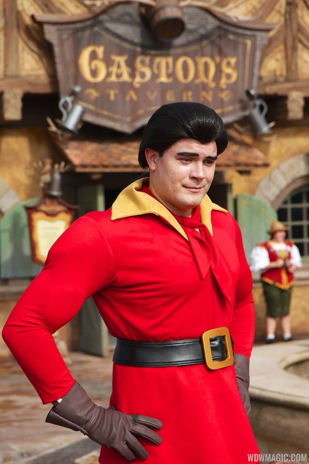 Fantasyland - Fantasyland soft opening - Gaston meet and greet