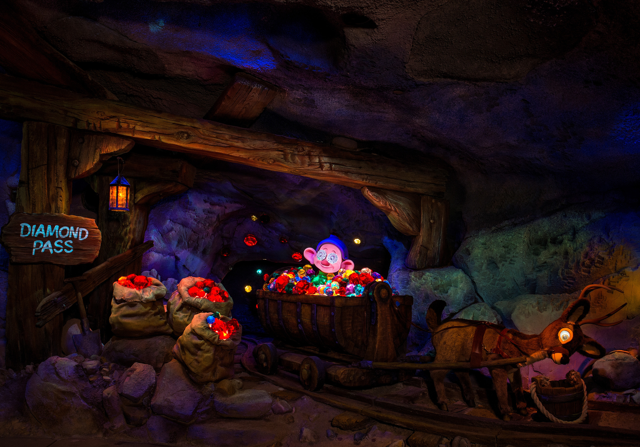 disney 7 dwarfs mine ride