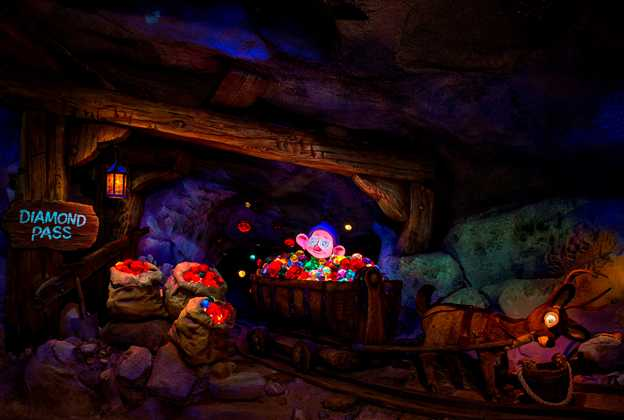 Seven Dwarfs Mine Train audio animatronics