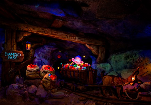 Seven Dwarfs Mine Train animatronics