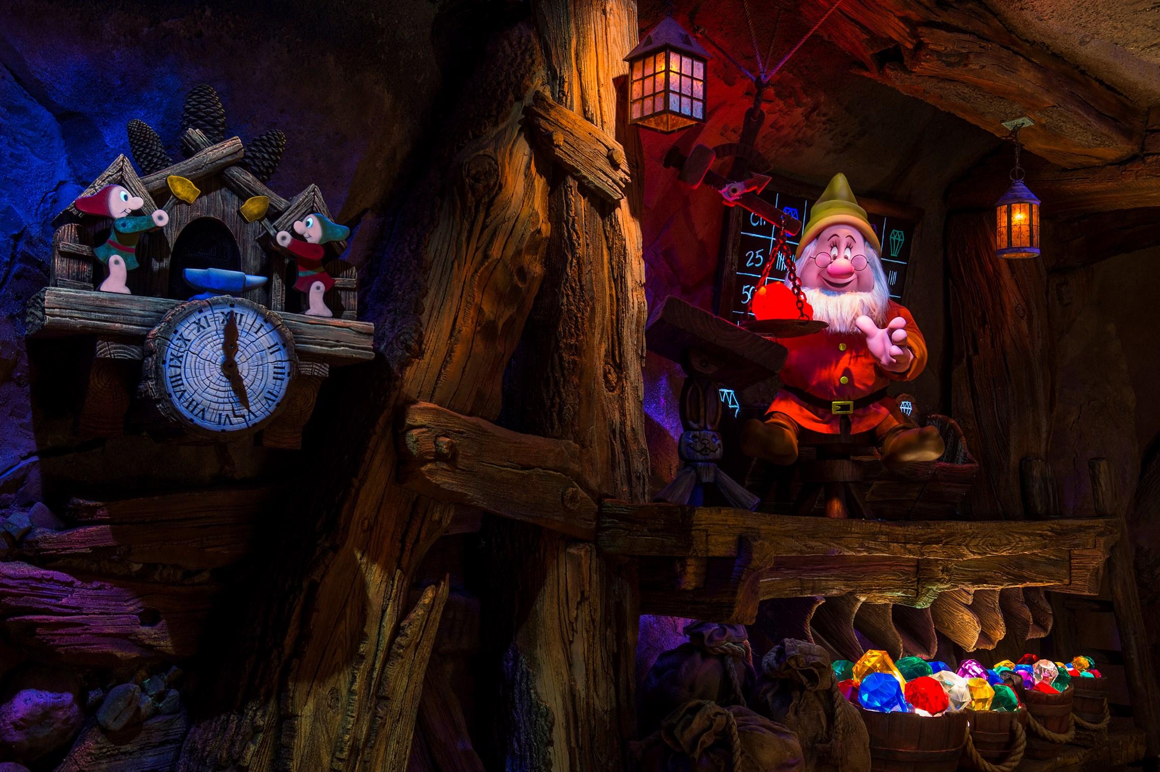Seven Dwarfs Mine Train audio animatronics
