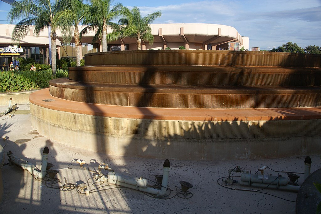 Fountain of Nations drained