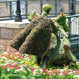 21 of 22: France (Pavilion) - Topiary in front of a recreation of the 'Ponts des Arts' bridge that once spanned the river Seine