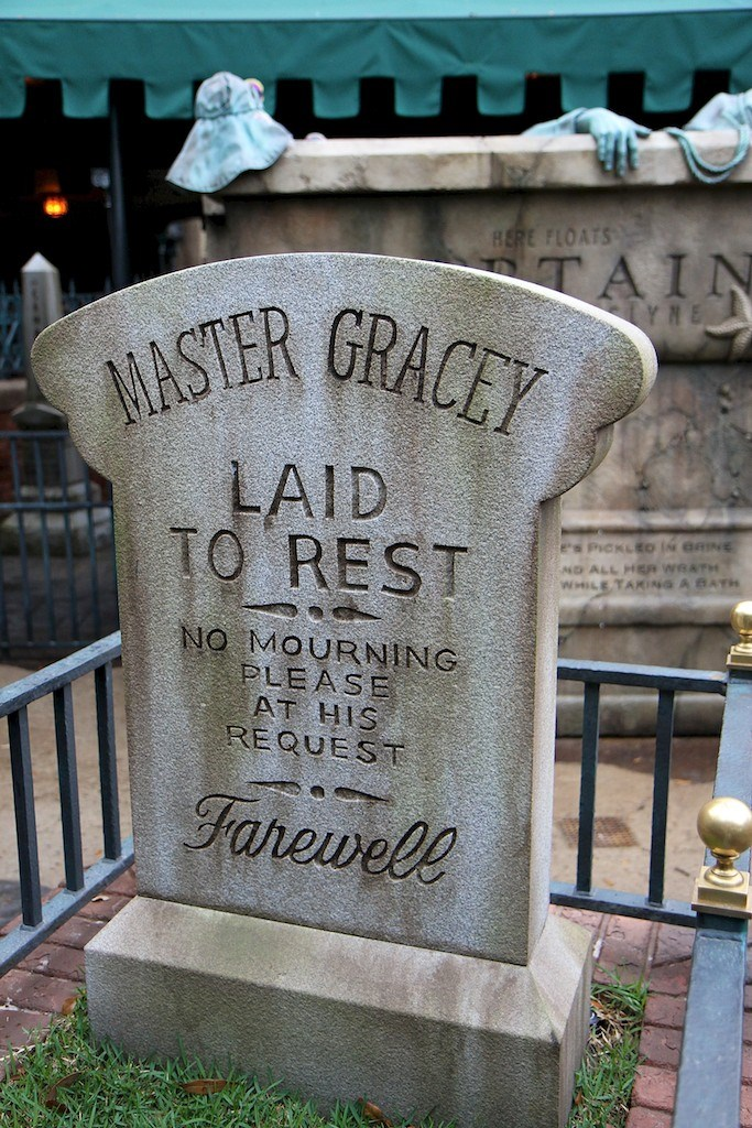 New tombstone and graveyard layout