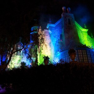22 of 37: Haunted Mansion - Disney Parks Blog Trick or Meet-Up