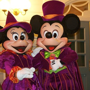 34 of 37: Haunted Mansion - Disney Parks Blog Trick or Meet-Up