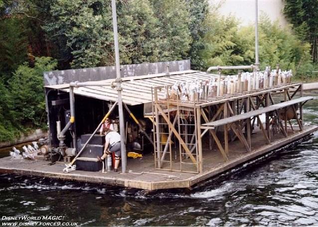 IllumiNations - The Maxi Barge.